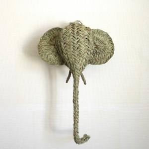 "Trophée ""Éléphant"" en jonc"